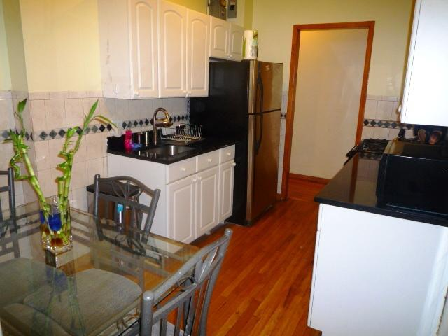 P1050479.JPG - LOVELY 3BDRM 1.5 BATHS 15 MINS TO TIMES SQUARE - New York City - rentals