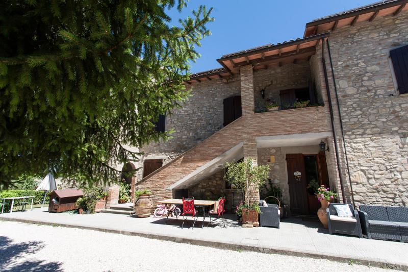 Villa Rental in Umbria, Ramazzano - Podere Il Pino - 16 - Image 1 - Ramazzano - rentals