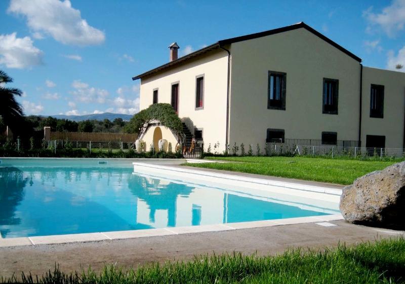 Quiet Villa in Sicily with Breathtaking Views - Tenuta de Nereides - Image 1 - Castiglione di Sicilia - rentals