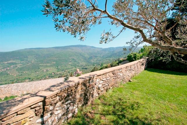 Villa Within Walking Distance of Cortona  - Villa Cortona - Image 1 - Terontola - rentals
