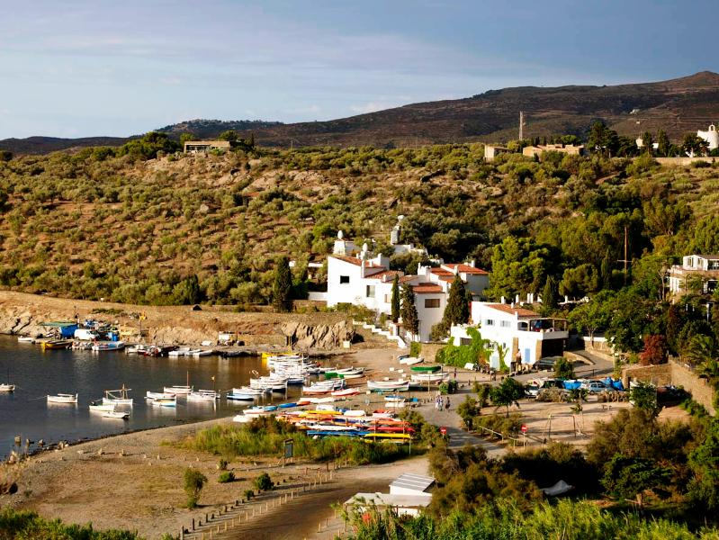 Luxury Villa Near the Sea and the Town of Cadaques - Vista Bonita - Image 1 - Portlligat - rentals