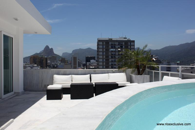 Rio037 - Penthouse in Ipanema with pool & seaview - Image 1 - Ipanema - rentals