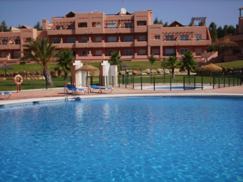Poolside Casares apartment in tropical gardens. - Poolside Casares Apartment | A/C | WiFi | Beach - Costa del Sol - rentals