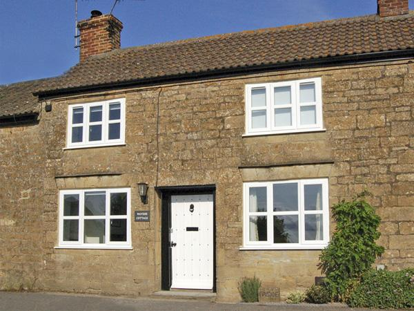 WAYSIDE COTTAGE, pet friendly, character holiday cottage, with a garden in Shepton Beauchamp, Ref 3721 - Image 1 - Ilminster - rentals