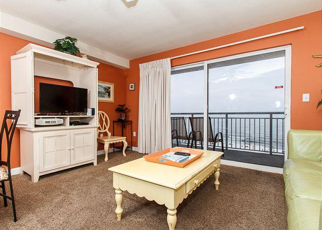 The beautiful colors of the view are brought inside to the walls - PI 502: Comfy beachfront condo- WiFi, full kitchen, pool,Free Beach Service - Fort Walton Beach - rentals