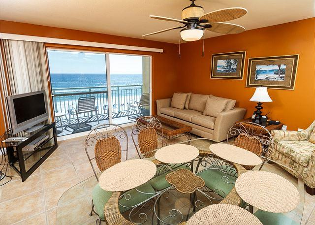 Relax in the lap of luxury as you enjoy the beautiful pristine b - PI 506:Lovely beachfront condo- internet, pool, beach view,Free Beach Service - Fort Walton Beach - rentals