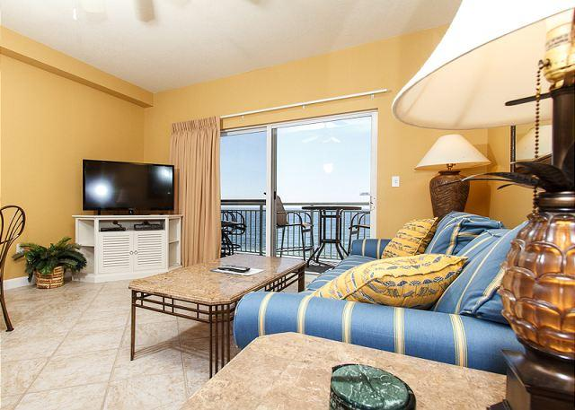 Updated in September 2013! This 6th floor beach front living roo - PI 602:TOP FLOOR 1BR/2BA OFFERS THE BEST VIEWS AROUND!VERY COMFY AND UPDATED - Fort Walton Beach - rentals