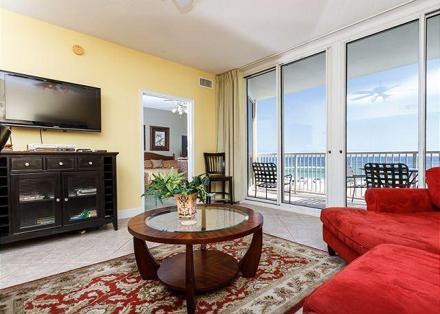 Bright and cheery 3rd floor unit with amazing features - WE 310: Beautiful beachfront condo-HDTV,WiFi,balcony,pool,FREE beach chairs - Fort Walton Beach - rentals
