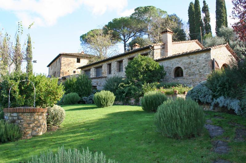 Villa Rental in Tuscany, Poggibonsi (Chianti Area) - Villa Poggibonsi - Image 1 - Poggibonsi - rentals