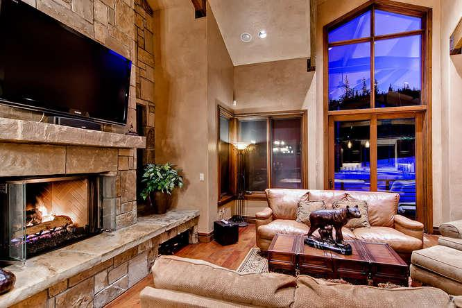 Lewis Ranch Lodge -Ski in/out, hot tub, pool table - Image 1 - Copper Mountain - rentals