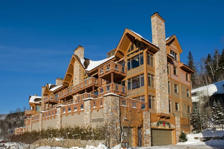 Exterior view Altitude complex winter - Altitude deluxe Ski-in/out condos 3brs Spa Sauna - Mont Tremblant - rentals