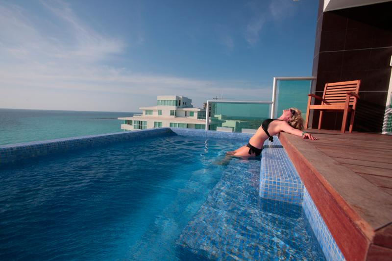 The Heated Private Infinity Pool - Penthouse #2000 - Cancun - rentals