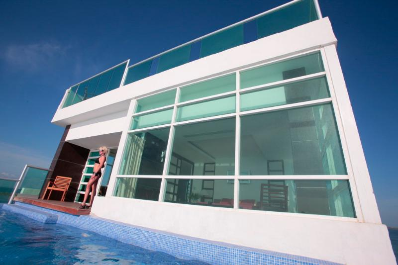 Rooftop penthouse, showing 1 of 2 private pools, ALL GLASS, stunning views!!! - Penthouse #2000 - Stunning Panoramic Views! - Cancun - rentals