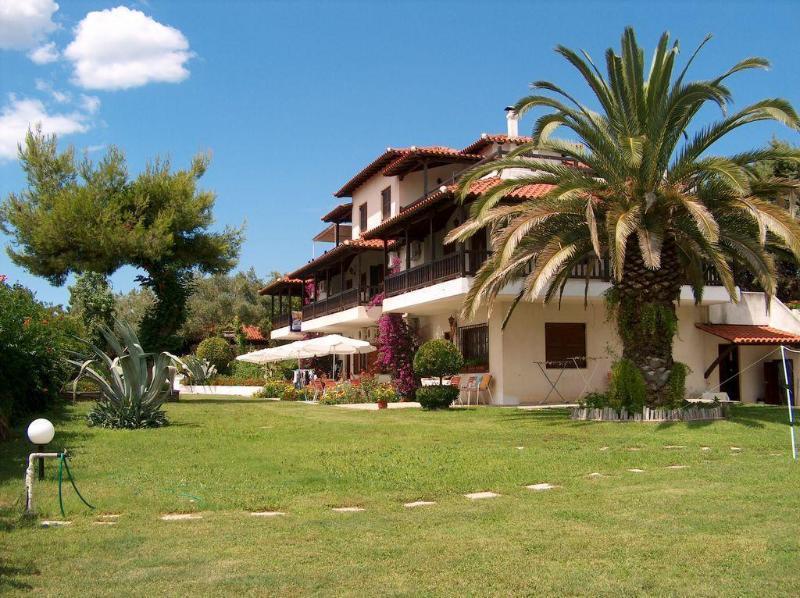 Villa Oasis apartments. - Image 1 - Nea Potidea - rentals