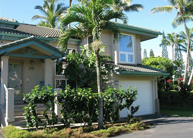 Villas on the Prince 28: luxury townhouse, walk to Anini beach or town - Image 1 - Princeville - rentals