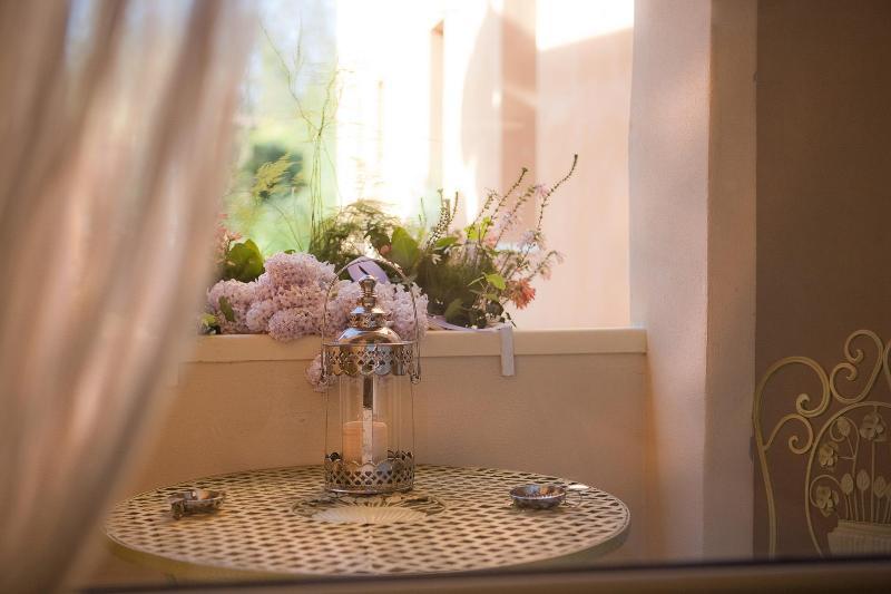 Balcony of Vita room - LA DOLCE VITA, CHARMING 2 BEDROOMS WITH 2 BATHROOMS ! - Verona - rentals