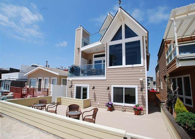 Oceanfront 4 Bedroom Oasis! Spacious Patio on the Sand! (68209) - Image 1 - Newport Beach - rentals