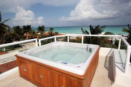 Sun Deck with 6 Person Jacuzzi, Lounge Chairs and Ocean Views - Millon Dollar View Beachside Villa - Azul Caribe - Playa del Carmen - rentals