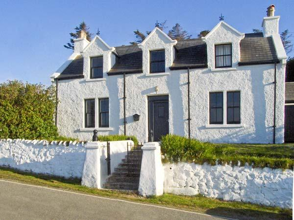 MINCH VIEW, family friendly, character holiday cottage, with a garden in Kendram, Ref 3786 - Image 1 - Uig - rentals