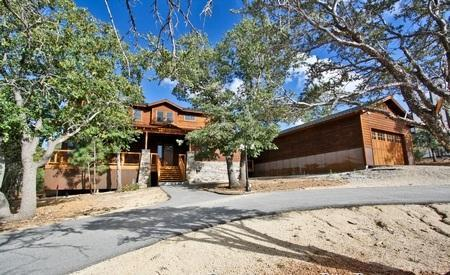 Incredible log cabin with modern amenities. - Grand Mountain Retreat - Luxury! High End! ! Spa! - City of Big Bear Lake - rentals
