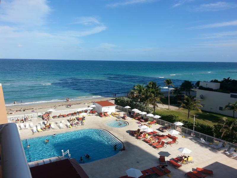 View from private balcony - 4th FLOceanfront Condo. Minimum 15 days stay! - Sunny Isles Beach - rentals