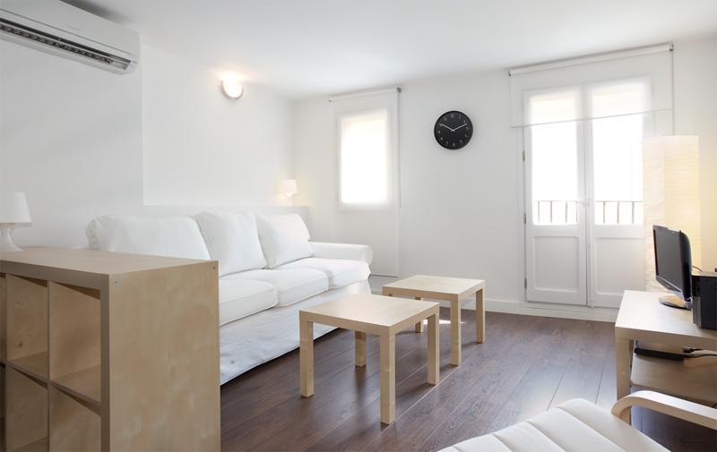BWH Ramblas V- Cute apartment in Las Ramblas - Image 1 - Barcelona - rentals