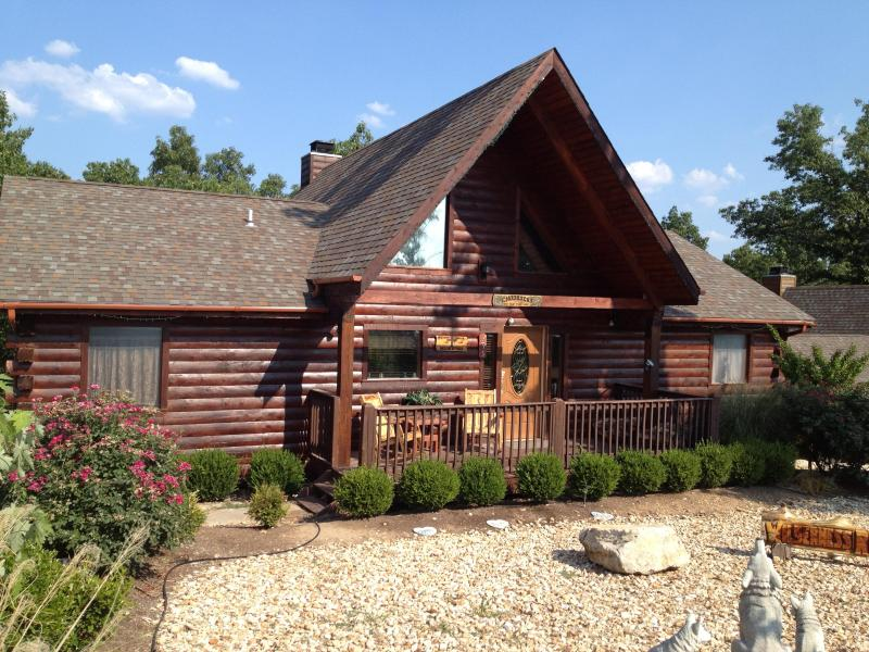 Magnificent Log Home - Magnificent 4 Bd-4 Ba   Log Home w/Game Rm, HotTub - Branson - rentals