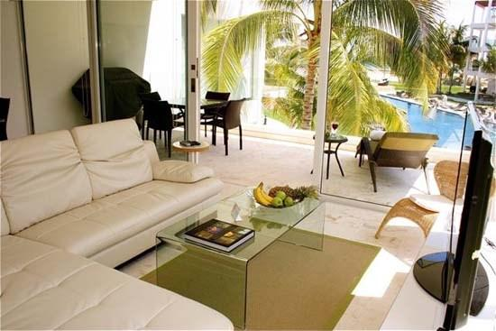2nd Floor Unit with great views of the entire property! - Image 1 - Playa del Carmen - rentals