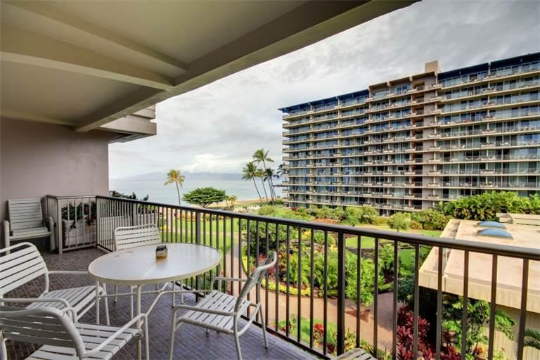 House with 1 BR-2 BA in Lahaina (Whaler #470 (1/2 Ocean View)) - Image 1 - Lahaina - rentals