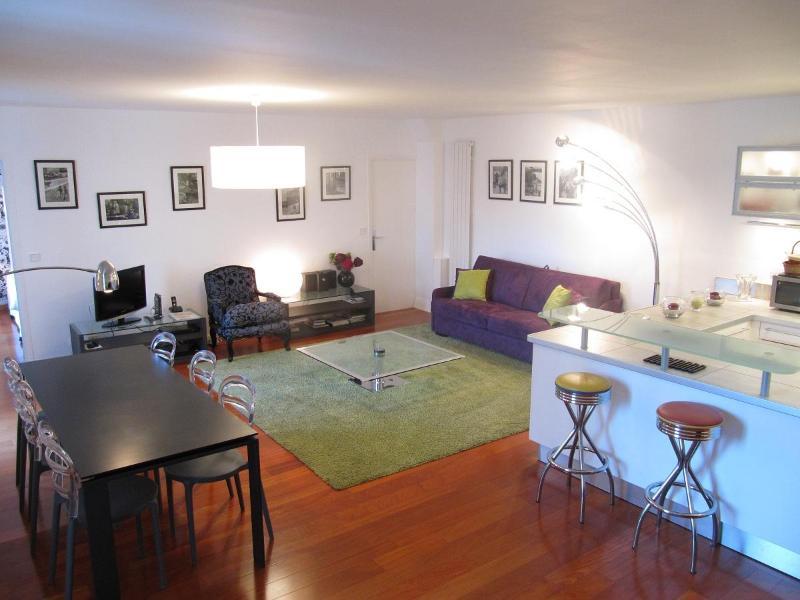 Montorgueil Vacation Rental at Saint Saveur - Image 1 - Paris - rentals