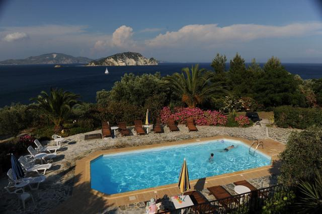 THE SCENIC SEA WATER POOL - VILLAS FLISVOS WITH POOL PRIVATE ACCESS TO THE SEA - Limni Keri - rentals