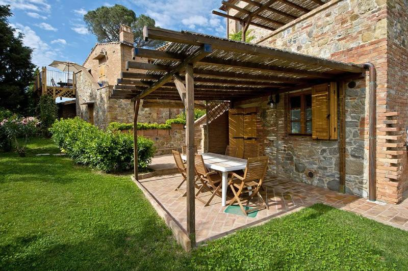 Magnificent 2 Bedroom Apartment Rental with Pool - Image 1 - Montepulciano - rentals