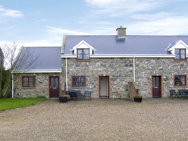 TUSKAR, pet friendly, character holiday cottage, with a garden in Kilmore Quay, County Wexford, Ref 3834 - Image 1 - Kilmore Quay - rentals