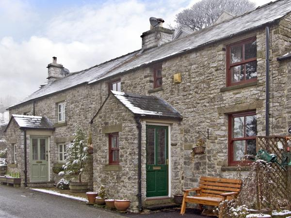TAHOE, pet friendly, country holiday cottage, with a garden in Tideswell, Ref 3825 - Image 1 - Tideswell - rentals