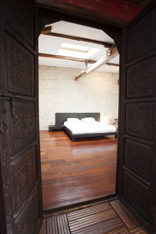 Bedroom - Montorgueil Vacation Rental at Fiacre in Paris - Paris - rentals