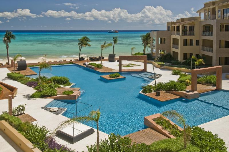El Faro, Playa del Carmen - 1 BR Beachfront in the Heart of Playa del Carmen! - Playa del Carmen - rentals
