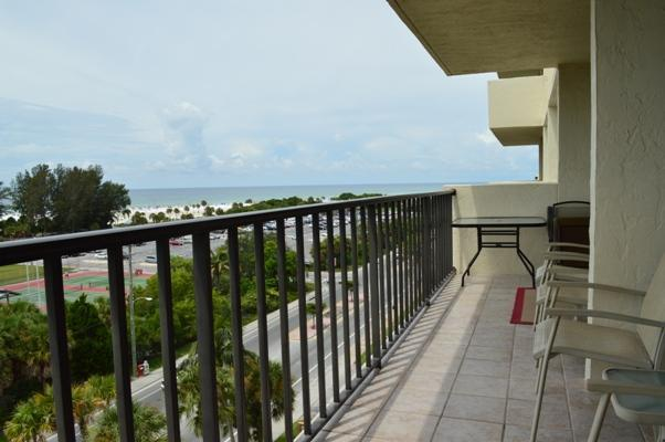 Large wrap around balconies on both sides of the condo where you can enjoy incredible views - Beautiful Condo w/Spectacular Views of Siesta Key - Siesta Key - rentals