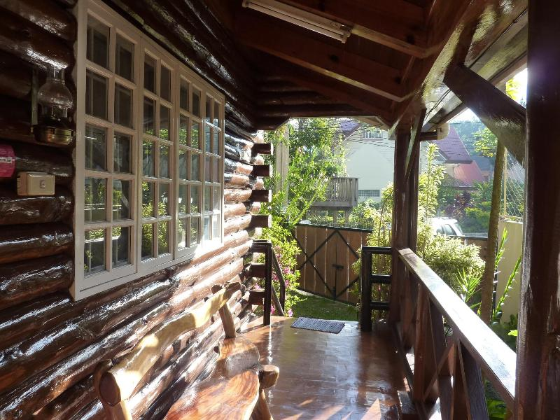 ENTRANCE PORCH - Luxurious Mountain Log Cabin in Baguo City - Baguio - rentals