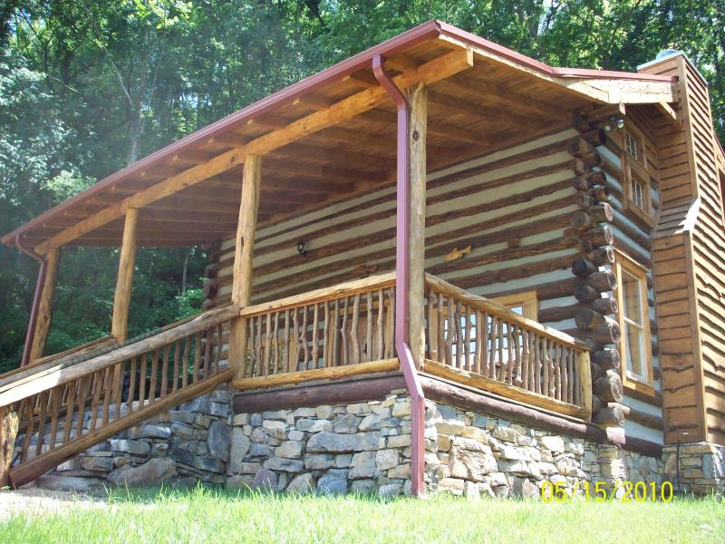 Come and Enjoy the Limestone Cabin! - Private mountain vacation cabin with a hot tub! - Hot Springs - rentals