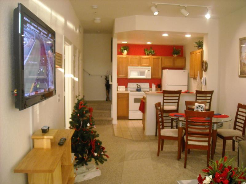 HDTV's throughout - Deluxe Waterfront, 4 HDTV's,WiFi, Resort Amenities - Kissimmee - rentals