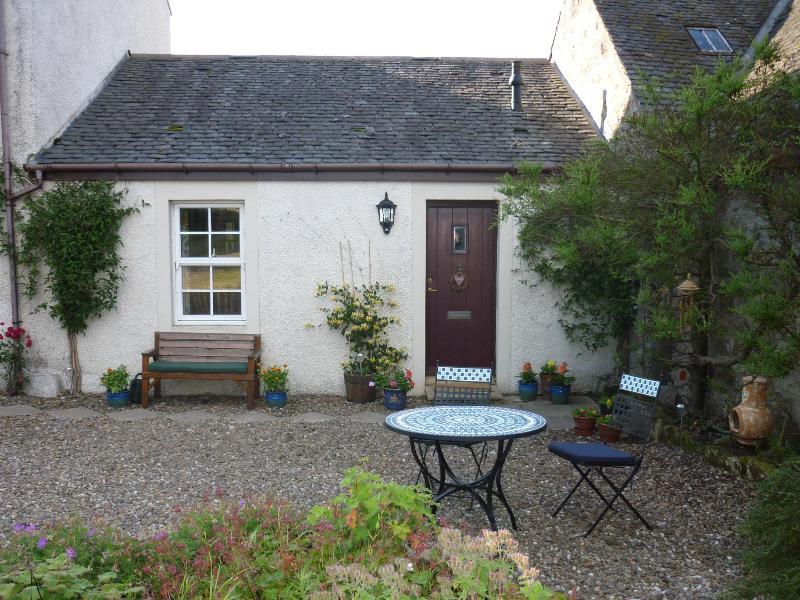The front door - MidKinleith Farm Garden Cottage - Edinburgh - rentals