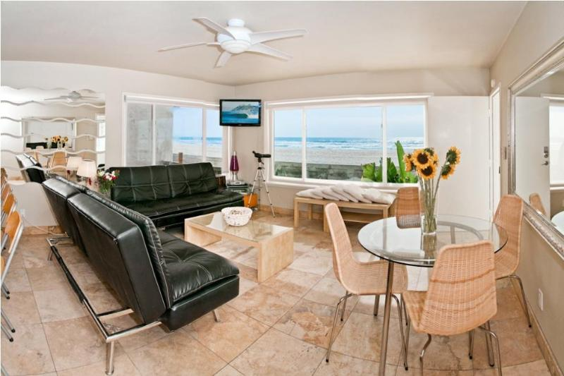 Living Room view from ground floor Unit 2 - Ocean Luxury #2 - Mission Beach - Pacific Beach - rentals