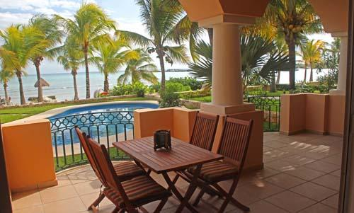 Fabulous Ground Floor Location in Front of Pool & Beach - Ground Floor - Omni Beachfront - Playa Blanca - Puerto Aventuras - rentals