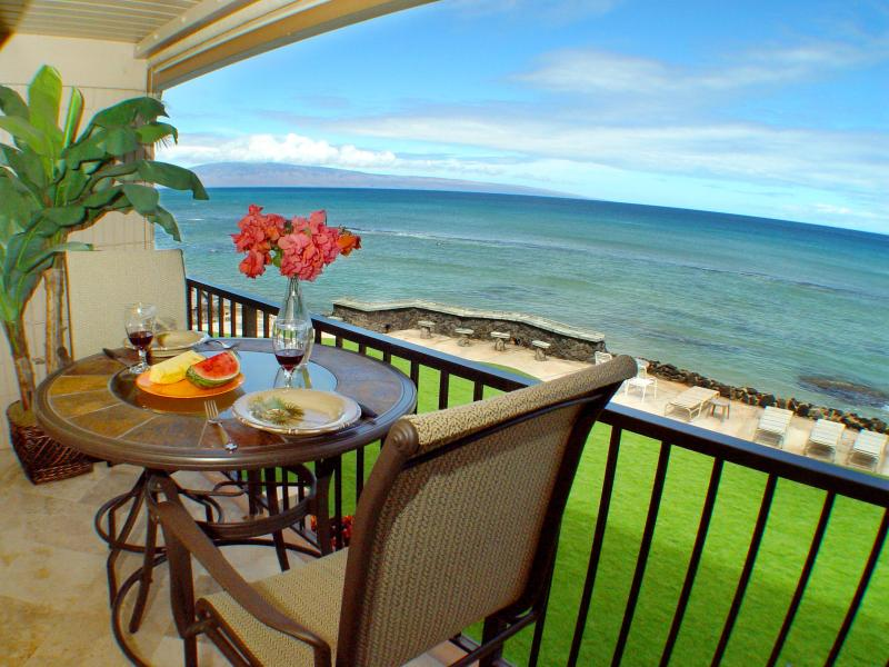 Dining on the Lanai with an ocean view! - Direct Oceanfront! Free Sunsets! Summer Spec $149! - Lahaina - rentals