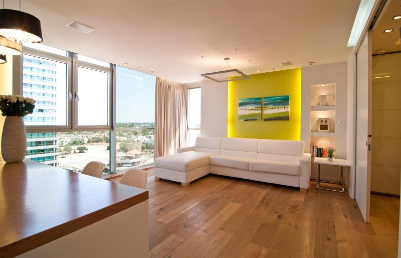 living room - Seashell Apartment - Tel Aviv - rentals