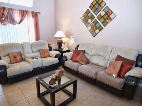 Living Area - MK2T3150TC-6 2 Bedroom Affordable Town Home 5 Miles to Disney World - Orlando - rentals