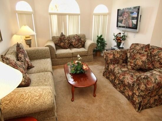 Living Room View with Flat Screen TV  - BWC3P222LP 3 BR Modern Home With 2 Master Suites and South Facing Pool - Orlando - rentals