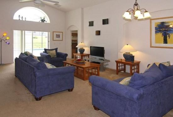 Living Area with Flat Screen TV - LPH4P158MD 4 Bedroom Vacation Rental Home with Elegant Furnishings - Orlando - rentals
