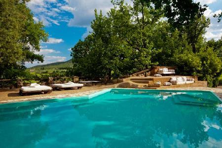 Allegra- rustic décor with idyllic landscape & pool, great for groups - Image 1 - Siena - rentals