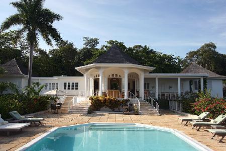 Ocean view Nutmeg South- near beach & 3 golf courses, pool, full staff - Image 1 - Montego Bay - rentals